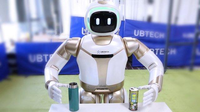 UBTECH Robotics представила усовершенствованную версию своего гуманоидного робота Walker