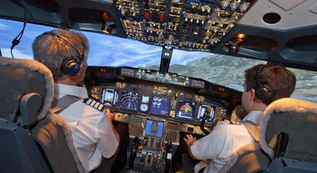 DJI Flight Simulator учит летать в любое время и куда угодно
