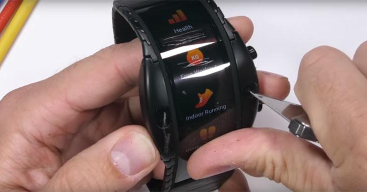 Часы-смартфон Nubia Alpha испытали на прочность