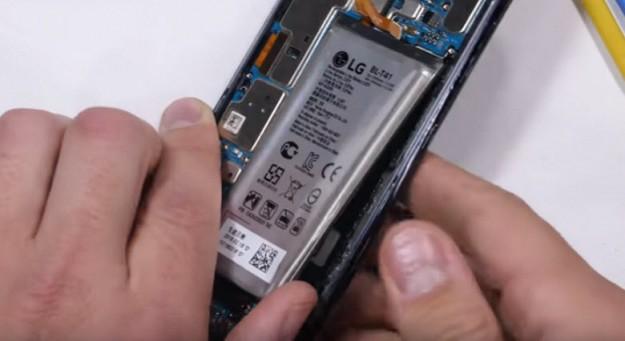 «Не покупайте этот смартфон». JerryRigEverything возмутился конструкцией LG G8
