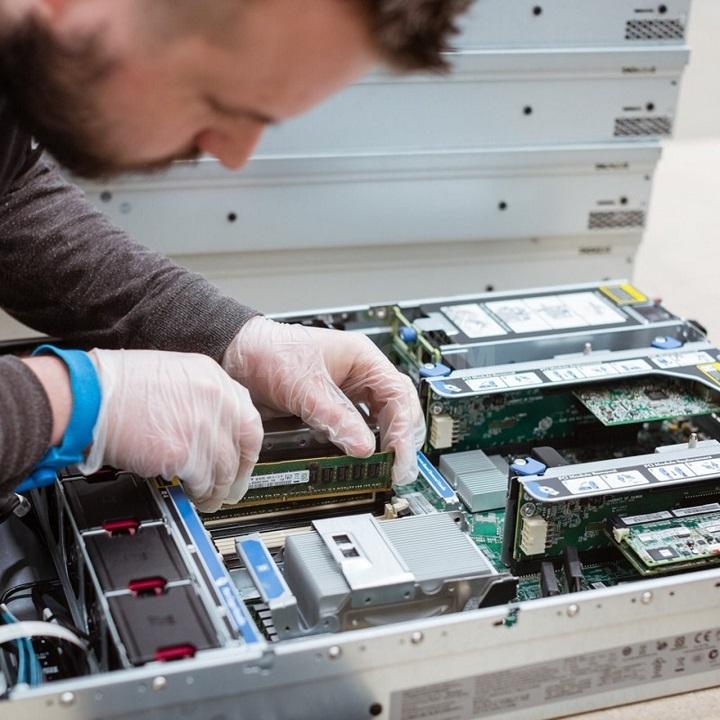 Аренда или покупка сервера: а вы уже сделали свой выбор?