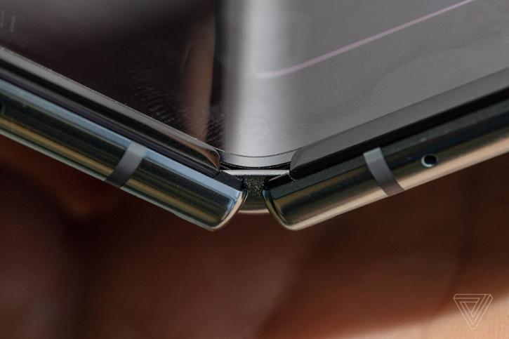 Samsung решила проблемы Galaxy Fold и готовит его к повторному релизу
