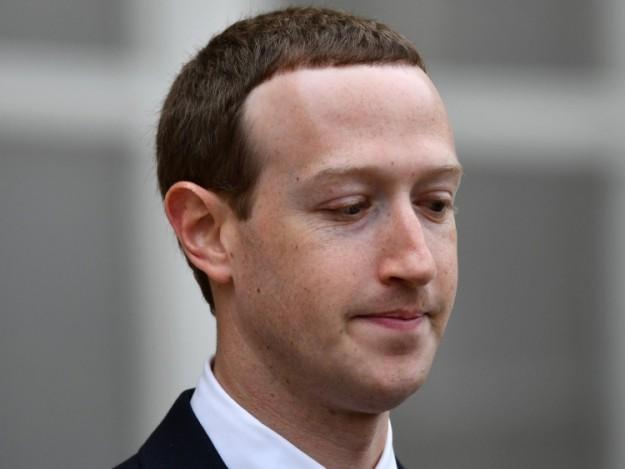 СМИ: независимые акционеры Facebook всерьёз взялись за Цукерберга