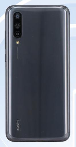 Предполагаемый Xiaomi СС9 на фото из TENAA