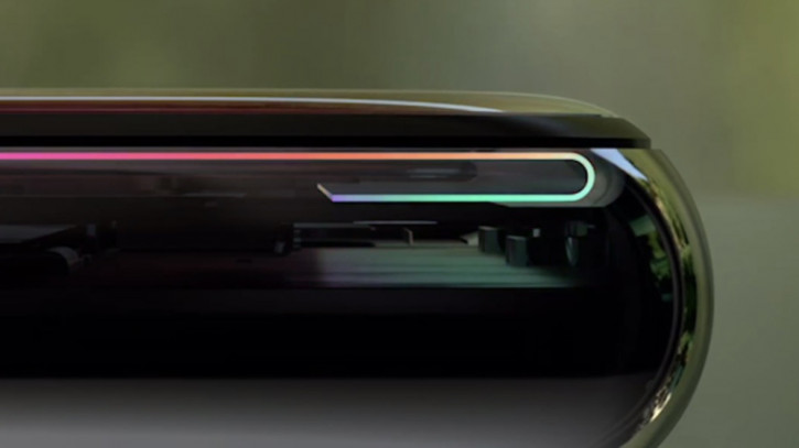Samsung требует от Apple компенсацию за дисплеи для iPhone
