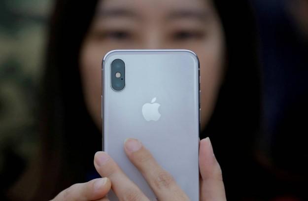 Названы главные отличия спецверсии iPhone для Китая
