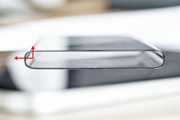 Первый смартфон с эффективной площадью дисплея более 100%. Фото лицевой панели