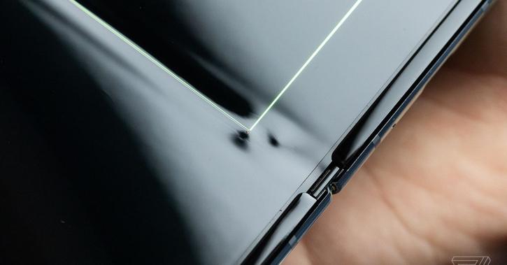 Samsung завершила доработку Galaxy Fold. Когда релиз?