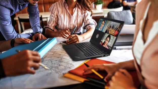 Lenovo начала новый финансовый год удвоением дохода