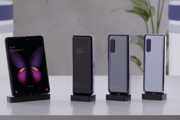 Складной смартфон Samsung Galaxy Fold поступит в продажу в Южной Корее на этой неделе