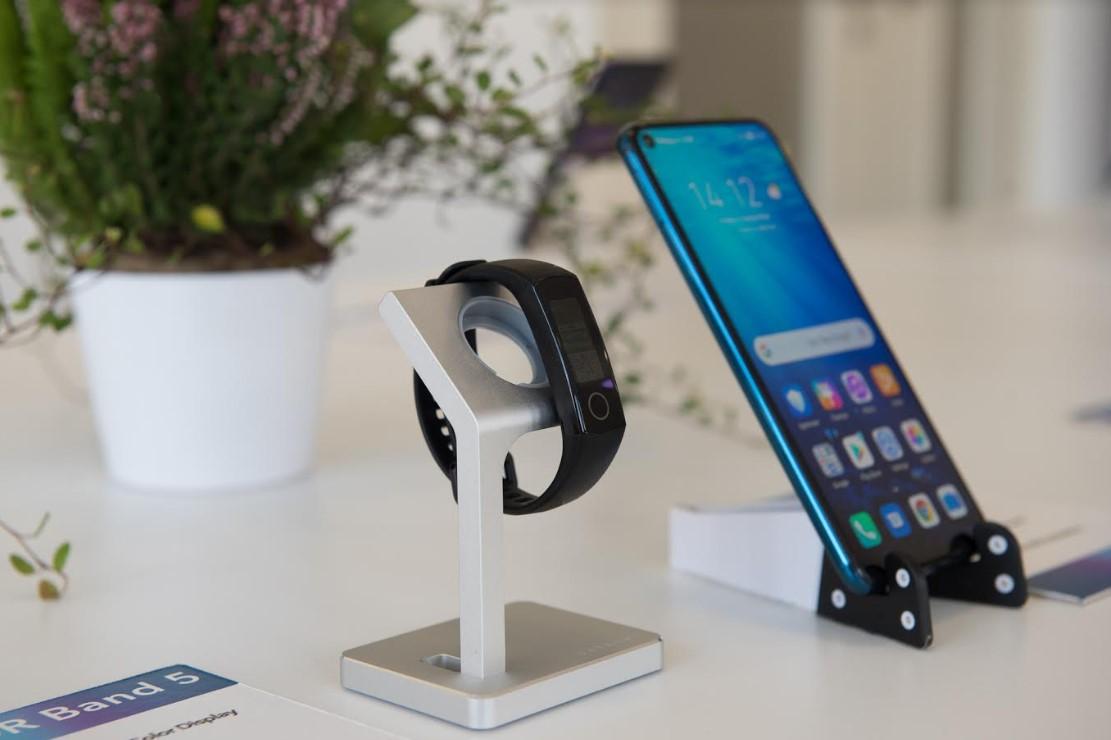 HONOR представил Band 5 - главного конкурента браслетам  от Xiaomi