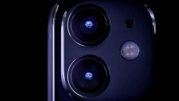 В iPhone 11 есть обратная беспроводная зарядка, но Apple ее отключила программно