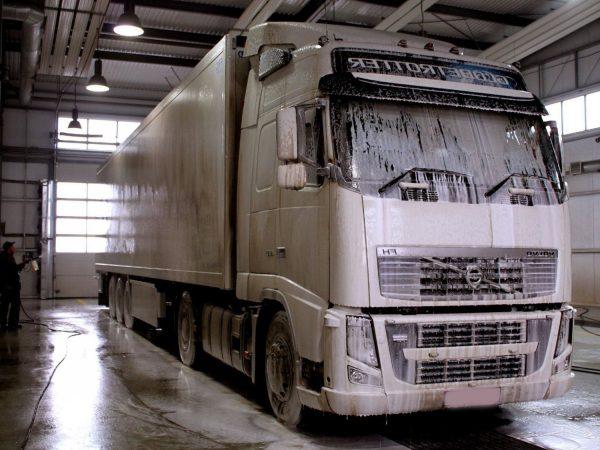 Мойка грузовых автомобилей и прочей спецтехники