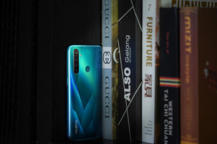 Realme готовит недорогой смартфон с 90-Гц экраном