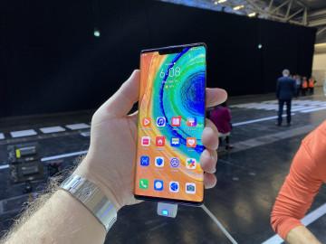 Живые фото Huawei Mate 30 и Mate 30 Pro в коже и стекле
