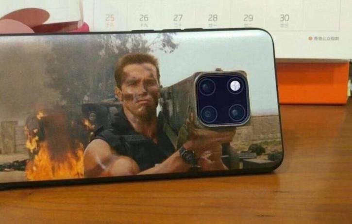 Фото дня: Шварценеггер и вирусный чехол на его iPhone 11 Pro
