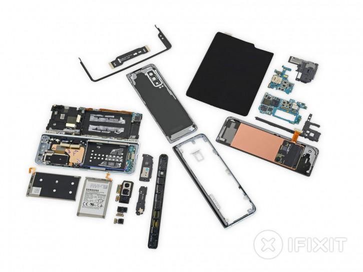iFixit разобрала Samsung Galaxy Fold на видео