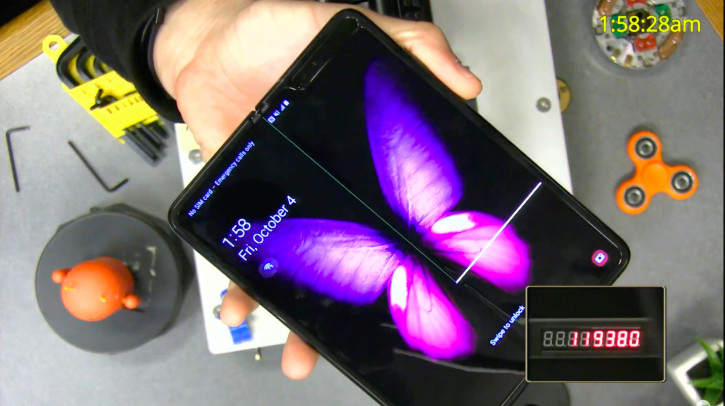 Samsung Galaxy Fold поломался в ходе теста 200 000 складываний (видео)