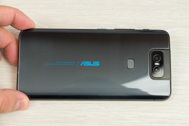 Флагман ASUS ZenFone 6 с поворотной камерой доступен в Украине