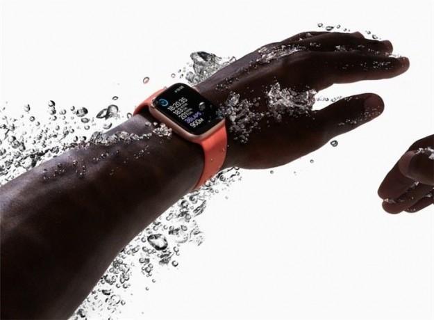 Apple Watch Series 6 получат усиленную водонепроницаемость и экран MicroLED