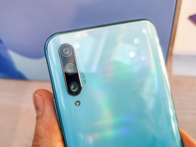 Huawei представляет в Украине Huawei P smart Pro: тройная камера и 48 Мп