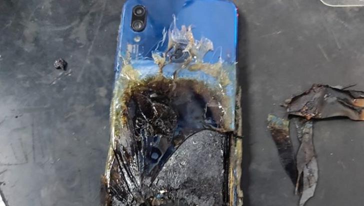 Xiaomi Redmi Note 7S загорелся у пользователя, но Xiaomi это не волнует