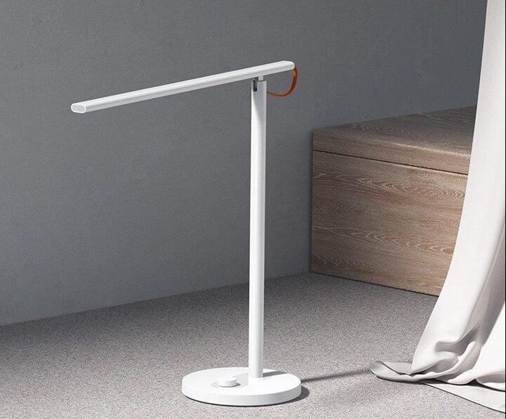 Xiaomi Mi Smart LED Desk Lamp 1S – умная настольная лампа за 40 долларов