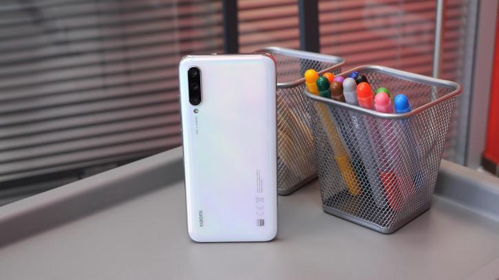 Xiaomi Mi A3, Mi 9 Lite и другие со скидками ко Дню Холостяка в России