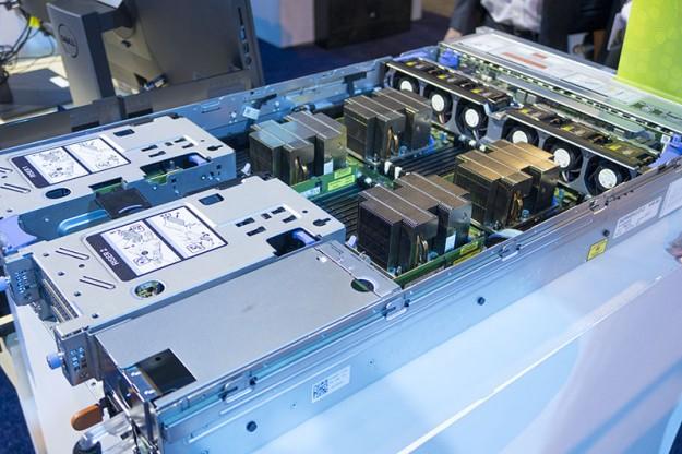 SMARTtech: Dell PowerEdge R840 – сервер под требовательного клиента