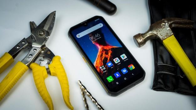 Смартфон Blackview BV9900 выдержал экстремальные жестокие испытания