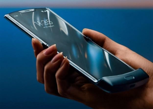 Motorola razr задерживается: предзаказ и продажи отодвигаются на более поздний срок