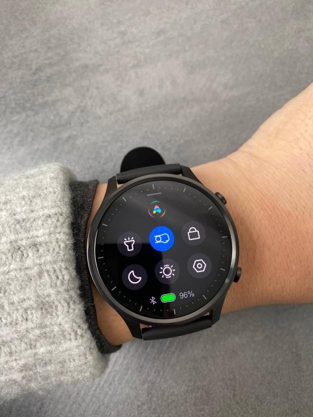 Умные часы Xiaomi Watch Color красуются на живых фото прямо перед началом продаж