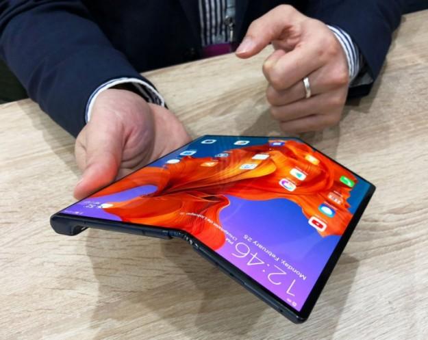 Huawei откажется от экранов LG для Mate Xs, уйдя к главным конкурентам