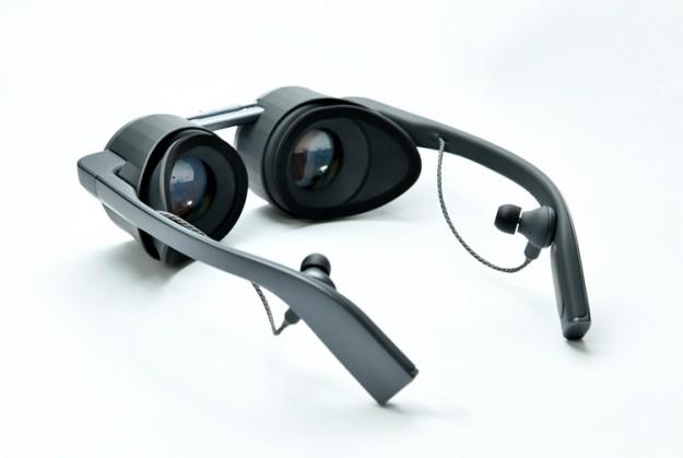 Panasonic анонсировала первые в мире VR-очки с поддержкой HDR и UHD