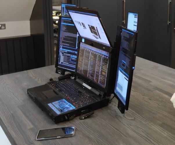 Анонсирован Aurora 7 — первый в мире ноутбук с семью экранами