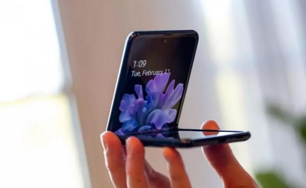 Google перенесет эксклюзивную функцию раскладушки Samsung Galaxy Z Flip на прочие Android-смартфоны
