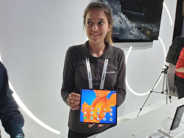 Huawei Mate Xs: живые фото и первые впечатления от Mobiltelefon.ru