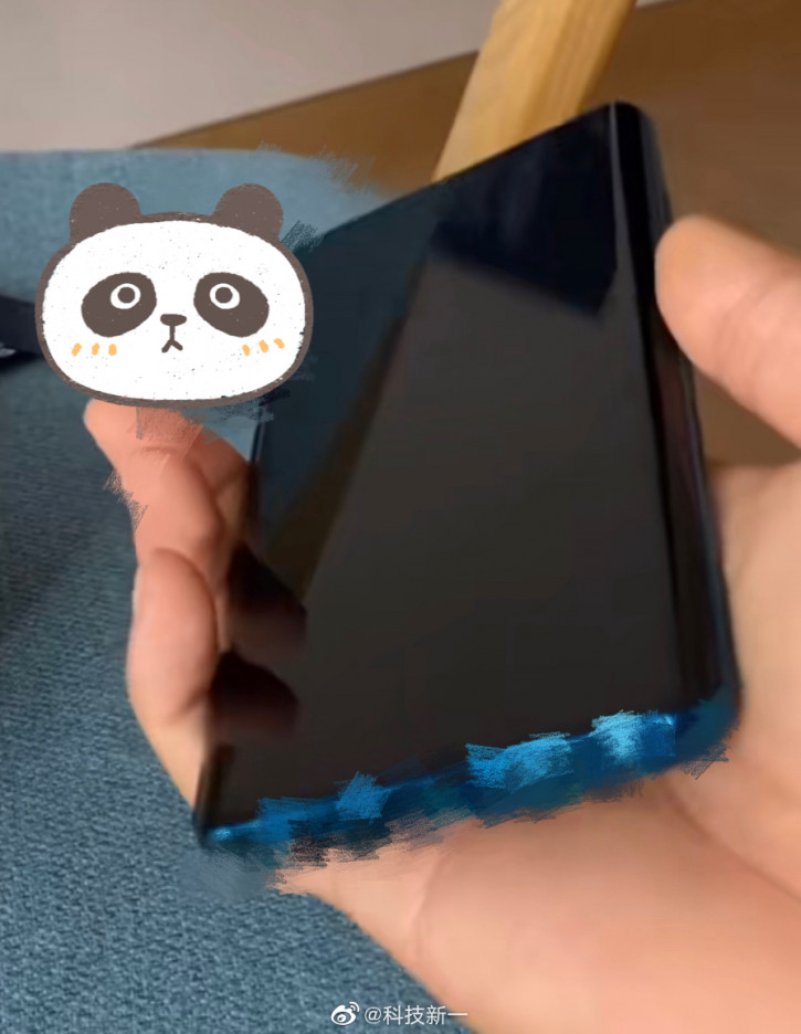 Xiaomi Mi 10 Pro на «живом» фото. Экран-водопад?