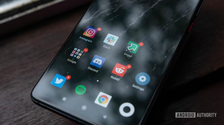 Xiaomi работает над тремя «бомбами»