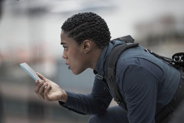 NOKIA — официальные телефоны фильма «007: Не время умирать