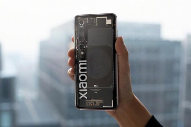 Прозрачный Xiaomi Mi 10 Explorer Edition вживую выглядит действительно впечатляюще