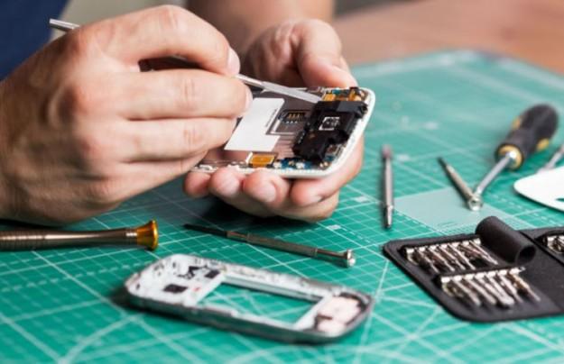 В Евросоюзе могут принять закон, который заставит производителей изменить дизайн смартфонов и планшетов