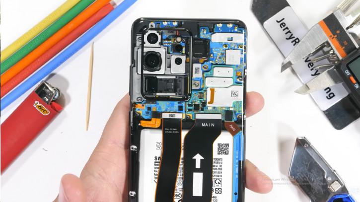 Samsung Galaxy S20 Ultra: тесты на прочность и «прозрачный апгрейд»