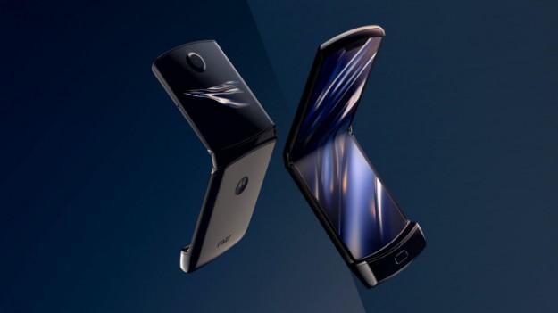 Топ-менеджер проболтался о дате выхода второго поколения Motorola RAZR