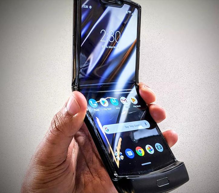 Motorola RAZR за $1500 до сих пор работает на двухлетнем Android 9