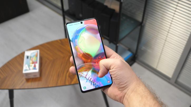 Обзор Samsung Galaxy A71: оверпрайснутый середняк