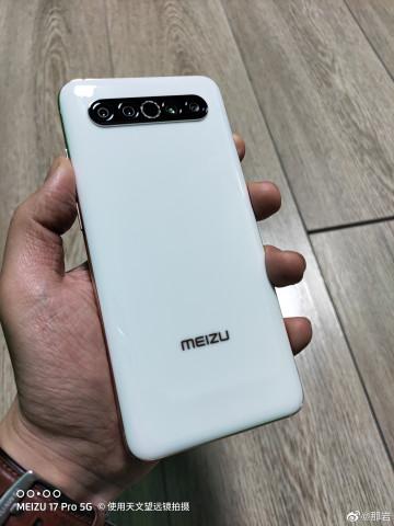 Живые фото и первые обзоры Meizu 17 Pro на видео
