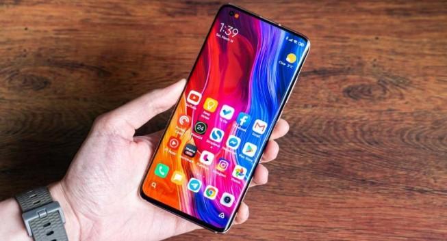 Смартфон Xiaomi Mi 10 рухнул в цене в Китае