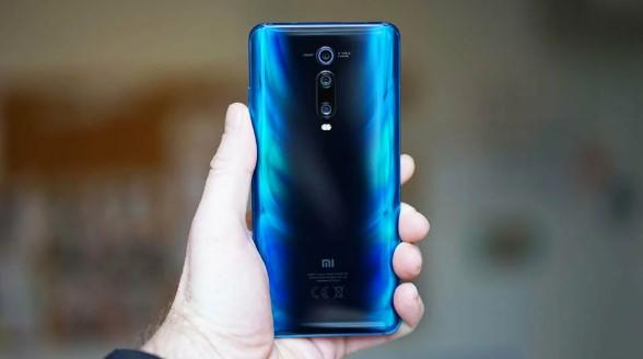 Самый выгодный смартфон от Xiaomi еще сильнее подешевел