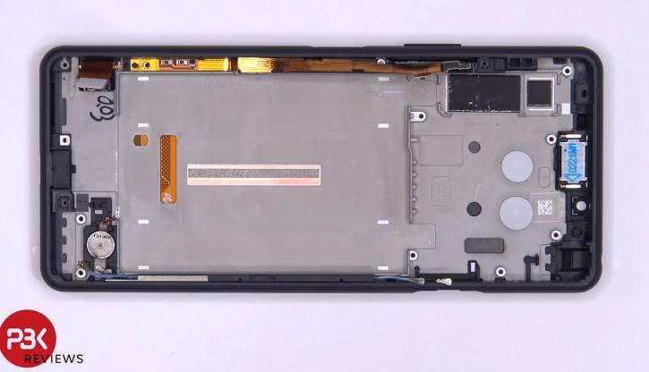 Sony Xperia 10 II разобрали на видео: самый аккуратный смартфон?